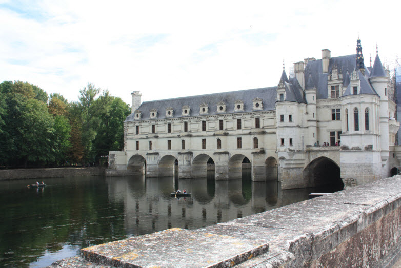 Skip the Line: Loire Valley Castles & Local Wine Tasting Day Trip from Paris with Home Cooked Lunch