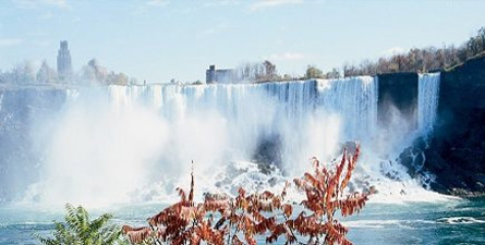 See and do it all in Niagara Falls! Featuring the very best views of both the American and Canadian sides of the mighty Falls.