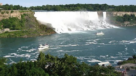 2-Day Niagara Falls & Outlet Shopping Bus Tour