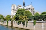 4-hour Paris Small Group Tour with Cheese, Charcuterie, & Wine Tasting