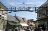 La Vallée Village Outlet Shopping Tour