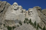 8-Day Mt Rushmore, Grand Tetons & Yellowstone Bus Tour