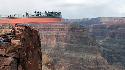 7-Day Bus Tour Package to Grand Canyon West (Skywalk), Las Vegas, San Francisco, Yosemite National Park, Disneyland/Universal Studios from Las Vegas